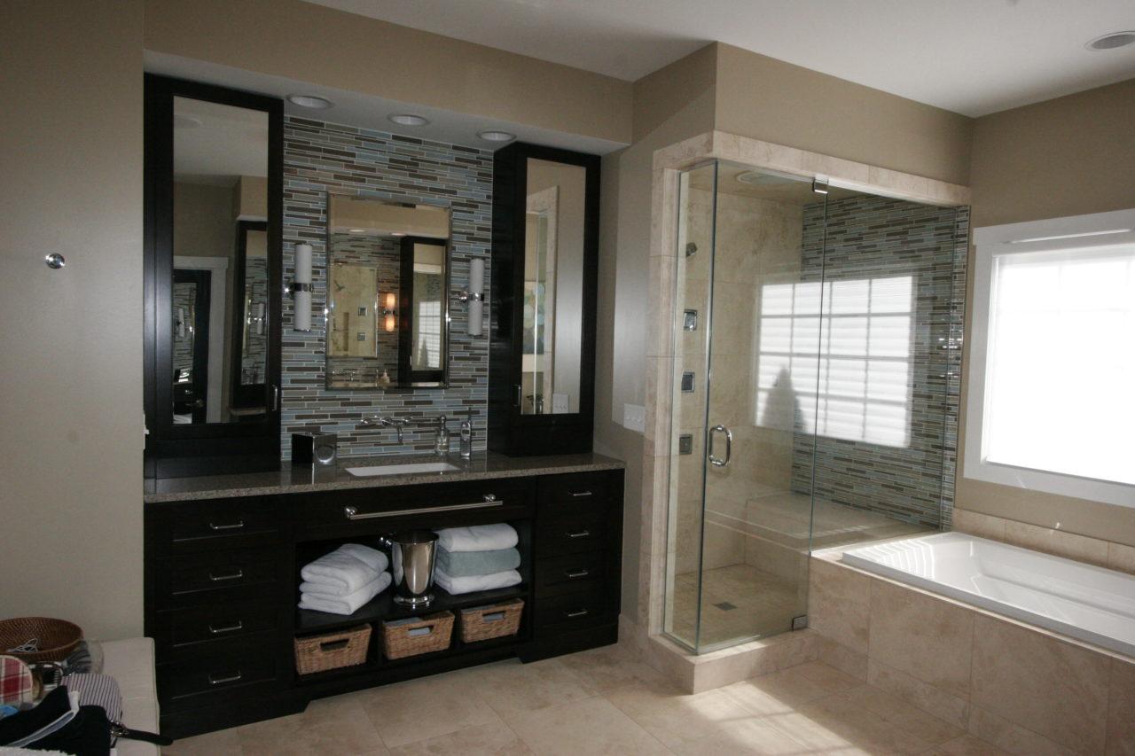https://creativecabinetryinc.com/wp-content/uploads/2016/12/p-bathroom-vanity-contemporary-shaker-retro-design.-1280x853.jpg